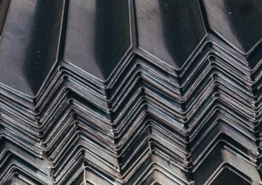 Новинка - гнутые стальные уголки